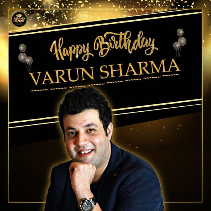 Here's wishing our 'Bhooshit Bedi' of Khandani Shafakhana a very very happy birthday! Keep spreading joy and happiness like you always do!! Varun Sharma  . . #HappyBirthdayVarun #VarunSharma #APMP #KhandaniShafakhana