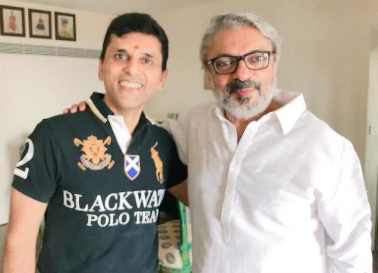 Belated birthday wishes to a visionary director par excellence and my very dear friend #SanjayLeelaBhansali 😊 https://t.co/7LE6jAE31r