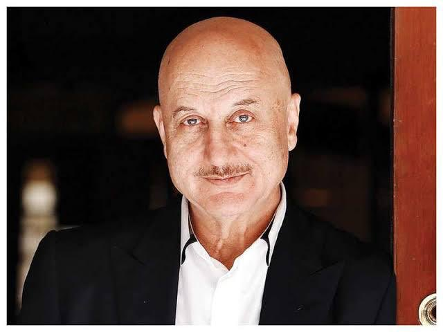 Happy Birthday to one of the finest actors,filmmaker, a dynamic personality of this era, and my very dear friend @AnupamPKher  #HappyBirthdayAnupamKher 🎂🙏 https://t.co/bJIl8GzeES
