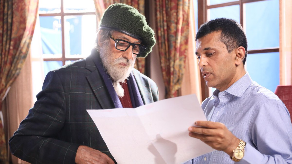 How can one not be lost in work when working with the best! @SrBachchan  #Gratitude #Chehre #SetLife #ChehreBts  @apmpictures https://t.co/9Y0GG1K1GV