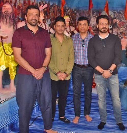 RT @EmraanTimes: .@emraanhashmi with @itsBhushanKumar @anandpandit63 and @atulkasbekar at @TSeries ganpati festival. https://t.co/KOnPwMtjoP