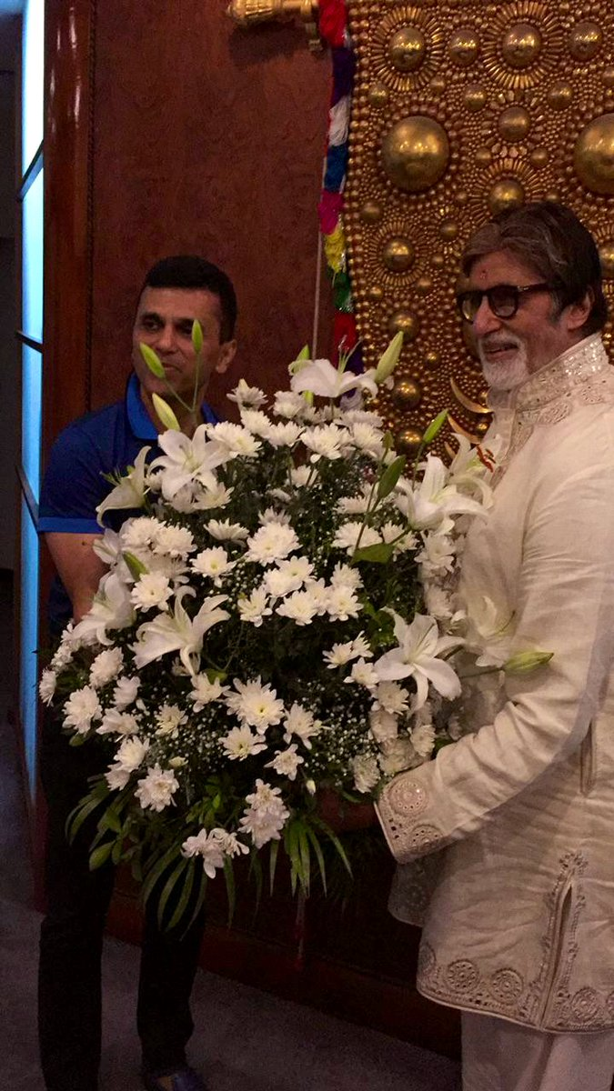 Celebrating the special day with the one and only Amitabh Bachchan! Happy Happy Birthday! @SrBachchan #HappyBirthdayAmitabhBachchan #AmitabhBachchanbirthday https://t.co/1iSHLuVXbV