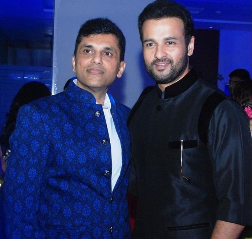 Sending birthday wishes to the very talented, versatile actor and my dear friend @rohitroy500. Have a happy & blessed birthday!  . #HappyBirthday #HappyBirthdayRohitRoy #RohitRoy https://t.co/n6zcWWYtpl