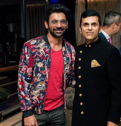 Happy Birthday to the supremely talented entertainer & actor @WhoSunilGrover .. More than ever now the world needs your medicine of laughter. #HappyBirthday #SunilGrover https://t.co/wxgarJAxFo