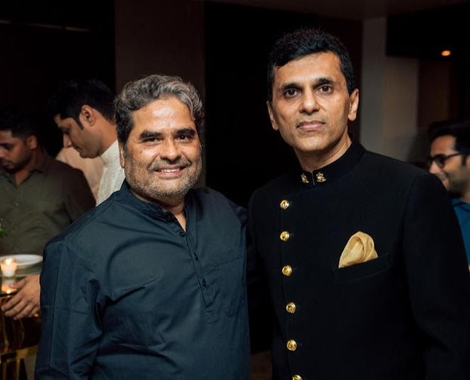 Birthday wishes to the maverick filmmaker and National Award-winning director @VishalBhardwaj ...  Hope your vision continues to magically unfold on screen and entertain viewers!  #vishalbhardwaj #happybirthday https://t.co/rBvzPkfvmf