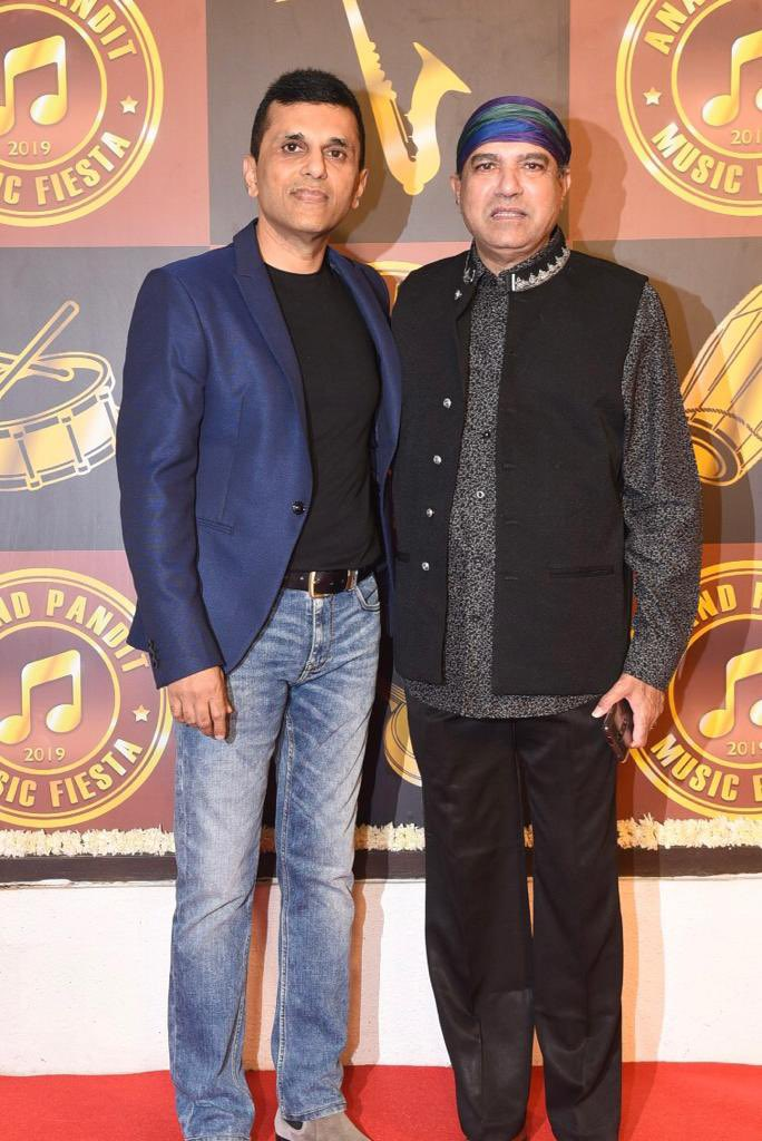 Birthday wishes to one of the most melodious singers I have known throughout the years who is not only a great singer but an amazing human being @WadkarSuresh ! Have an amazing day and a beautiful year ahead! https://t.co/zaNtFPvmo8