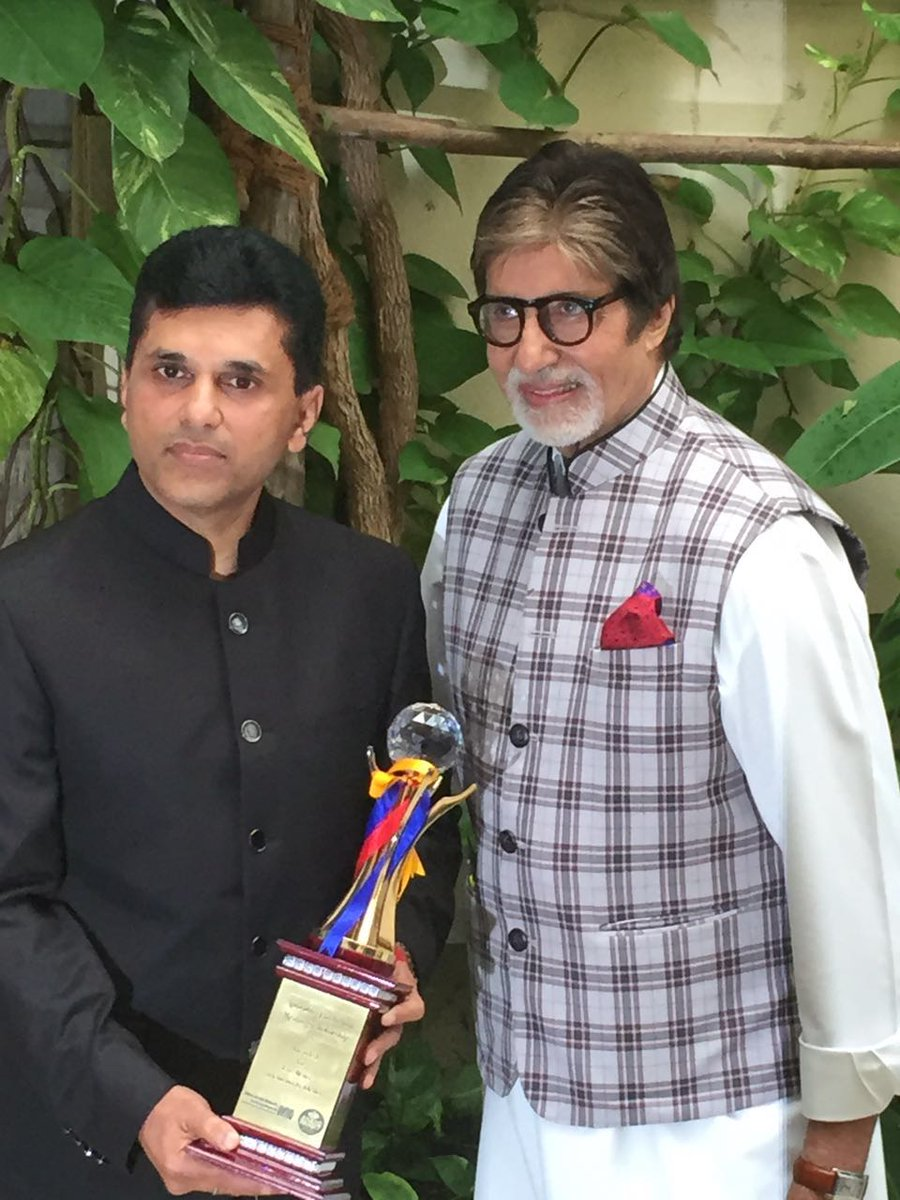 Thnx @SrBachchan for Ur support & inspiration. Millions of youngsters will be motivated to contribute to good cinema https://t.co/ZvXgEnWGYp