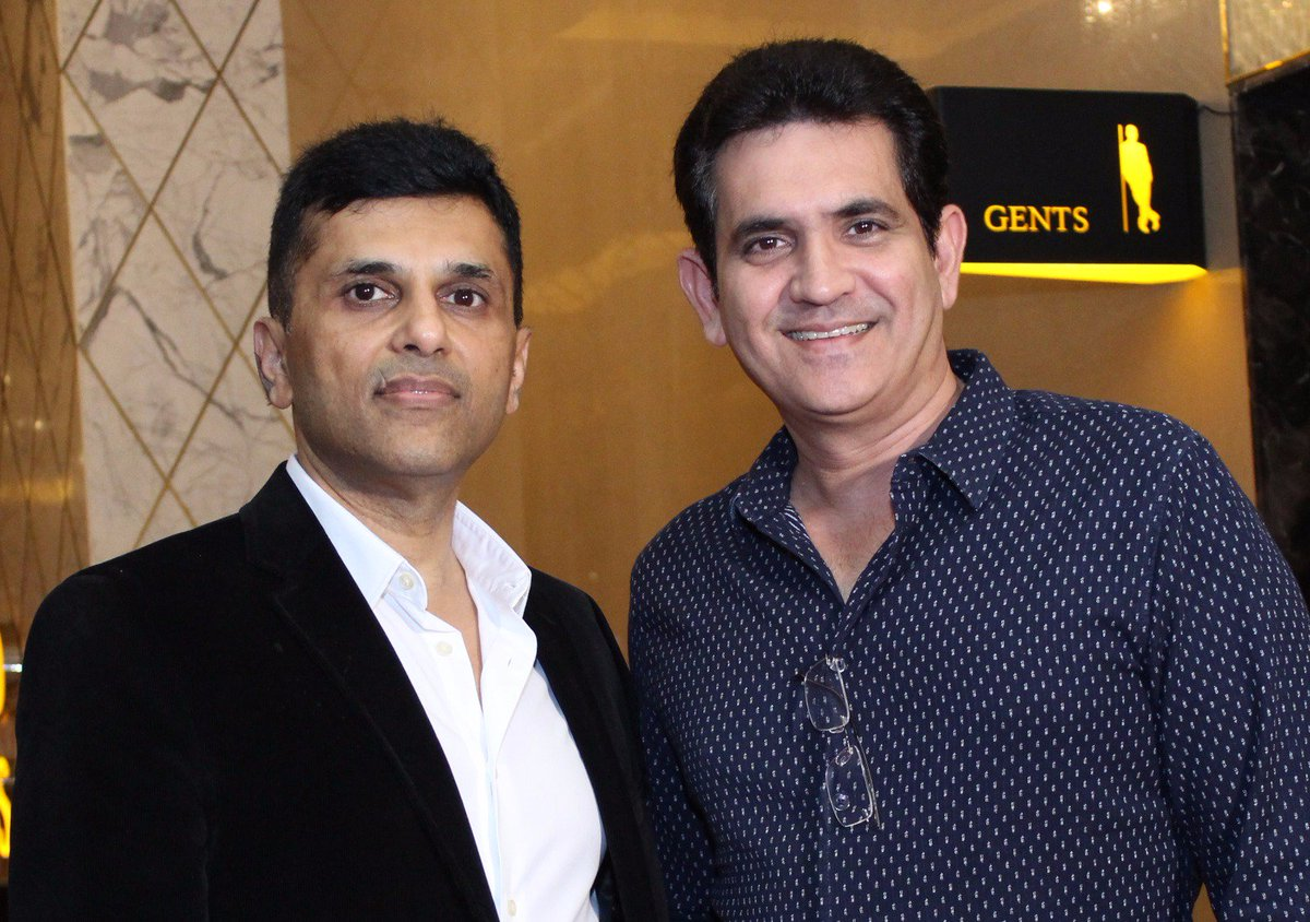 And it's always a pleasure to have @OmungKumar by my side. Thanks for joining me at the @DaysOfTafree Premiere, bro. https://t.co/8bydOCygGo