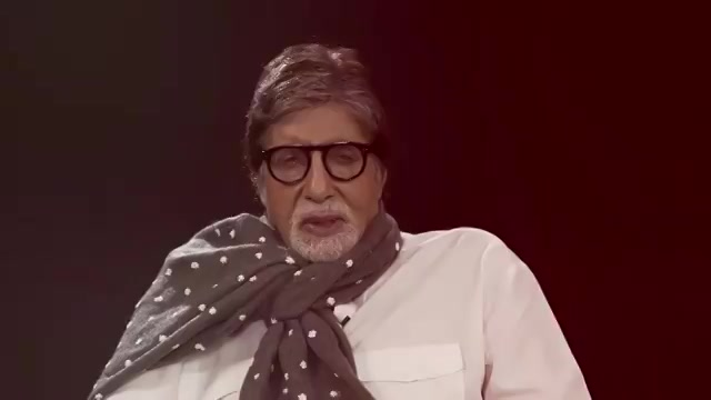 #Chehre sochte aakhir chehre ne kaise yeh kaam kiya hai? Hear this poem in the voice of @SrBachchan! 🙌 #ChehrePoem - https://t.co/q5mppp0o4C  Watch #Chehre in theatres now! Book your tickets now:  @BookMyShowIN - https://t.co/cyp9njxzZa https://t.co/5vNrJGx7G7